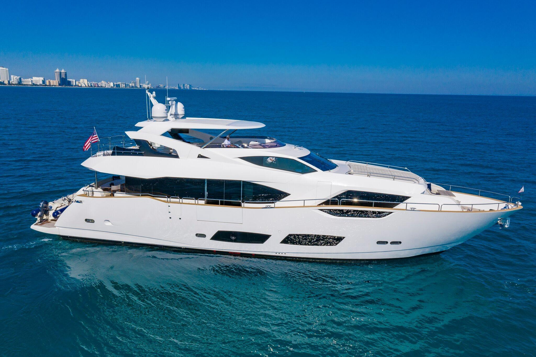 95 ft Sunseeker 95 Yacht