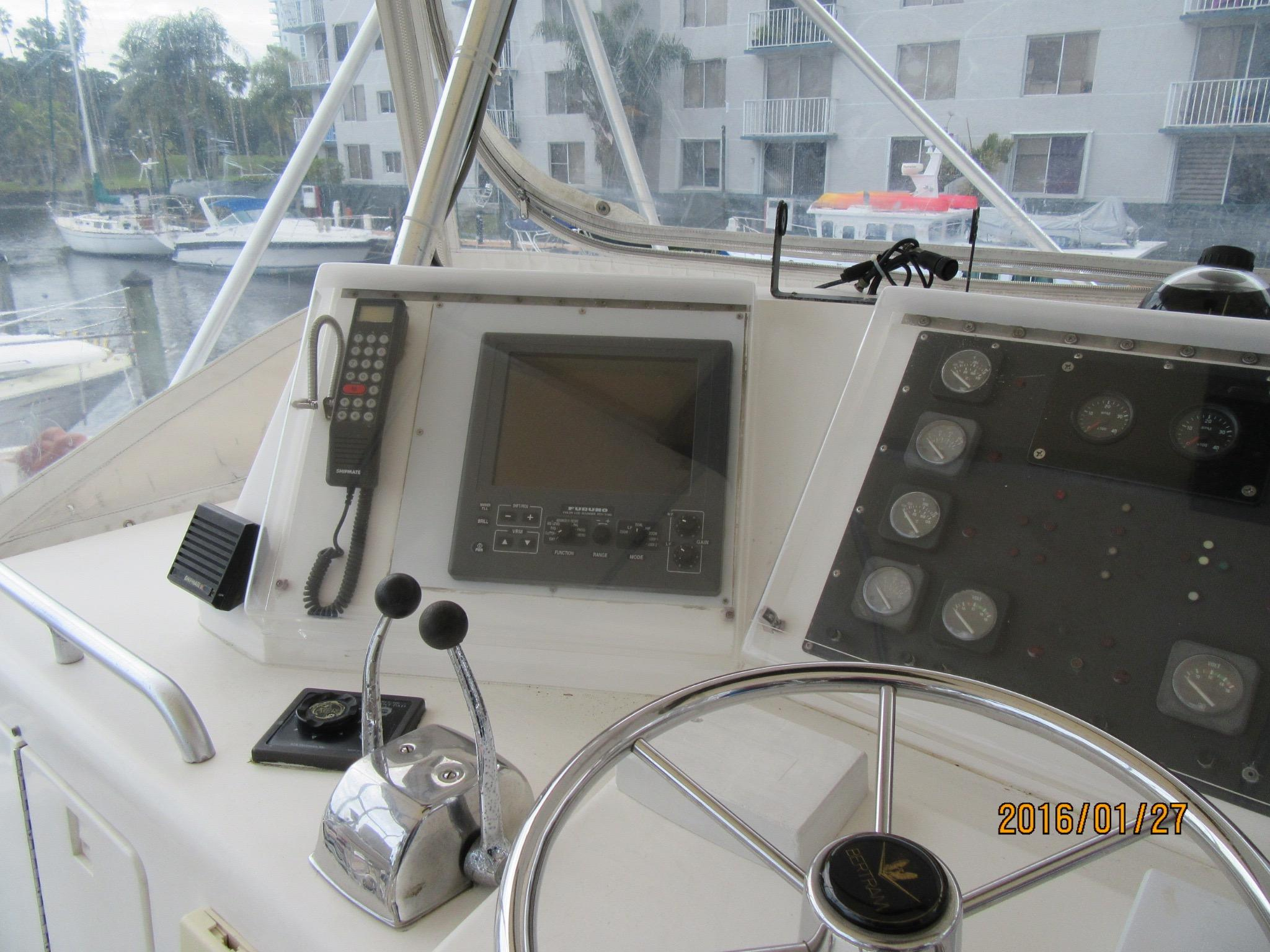 BOW VIEW WITH DINGY ON DAVITS WITH CRANE