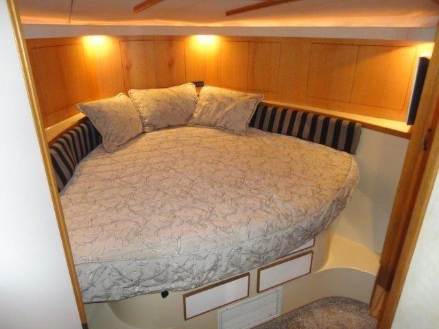 Guest Stateroom - 2 Large Criss Cross Berths