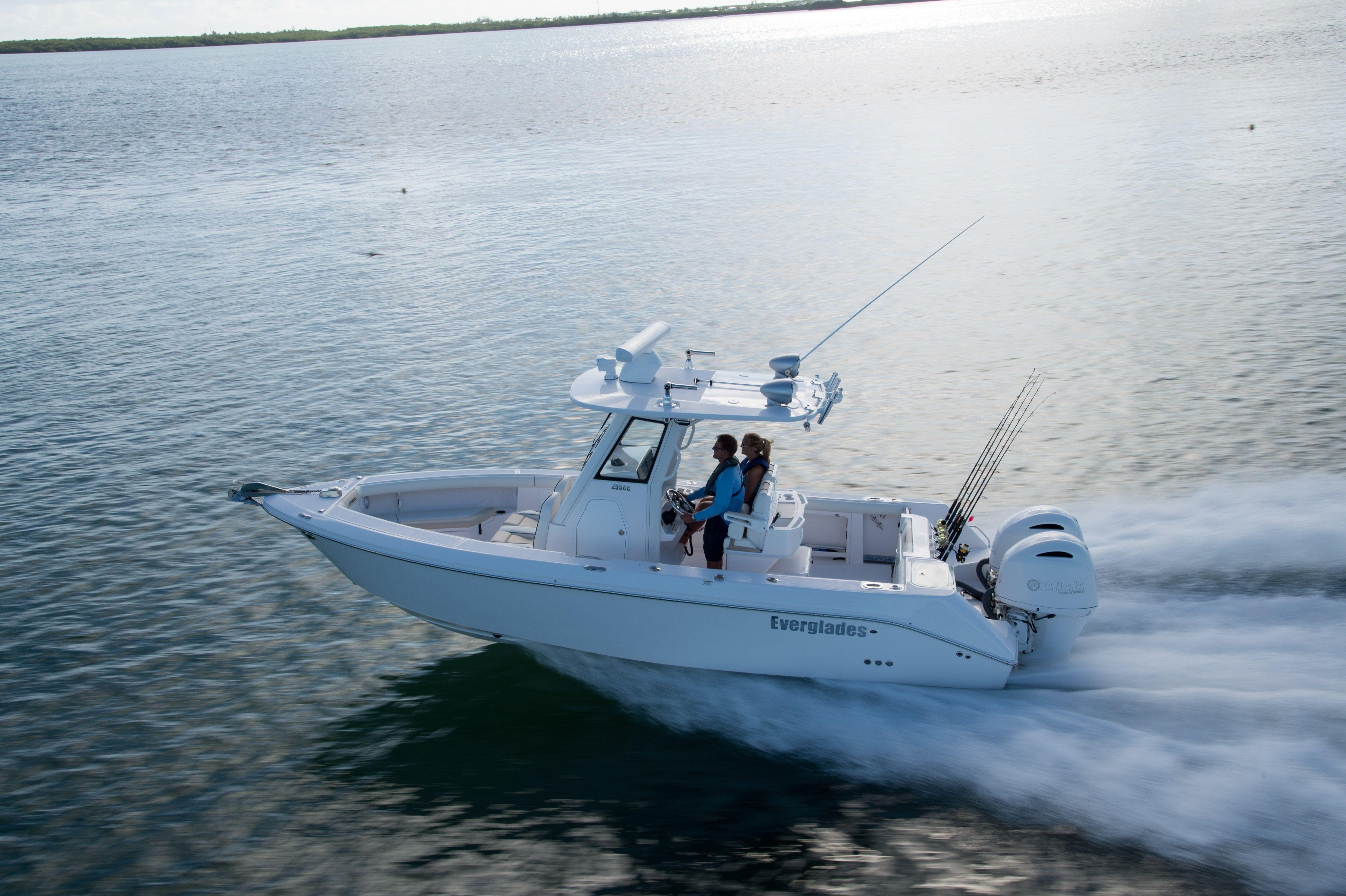 24 ft Everglades 243CC