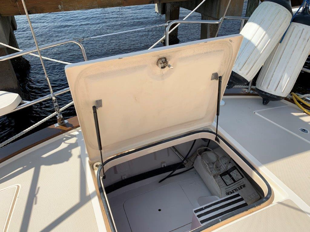 Aft deck strorage access