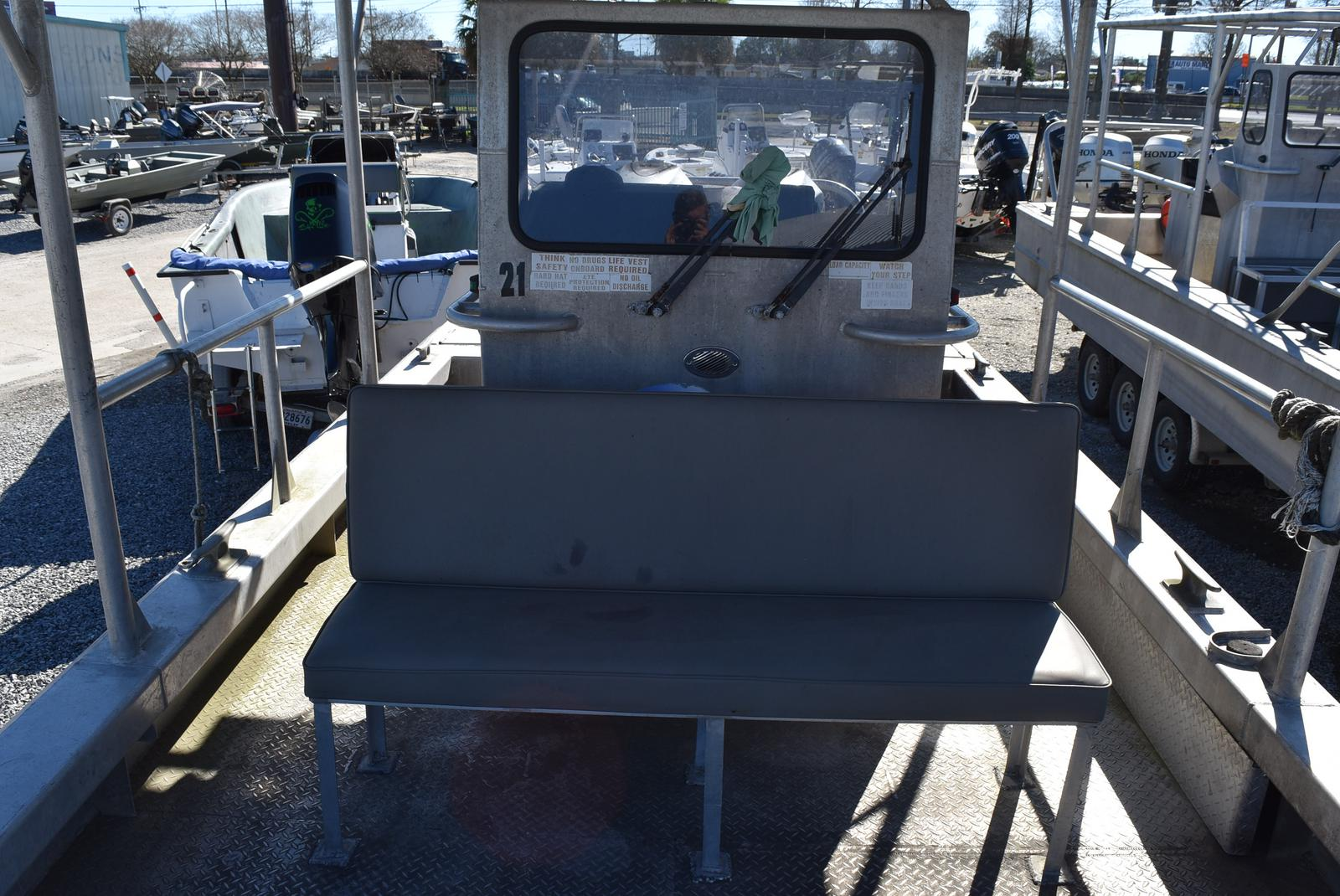 2010 Metal Shark boat for sale, model of the boat is 30ft Workboat & Image # 13 of 17
