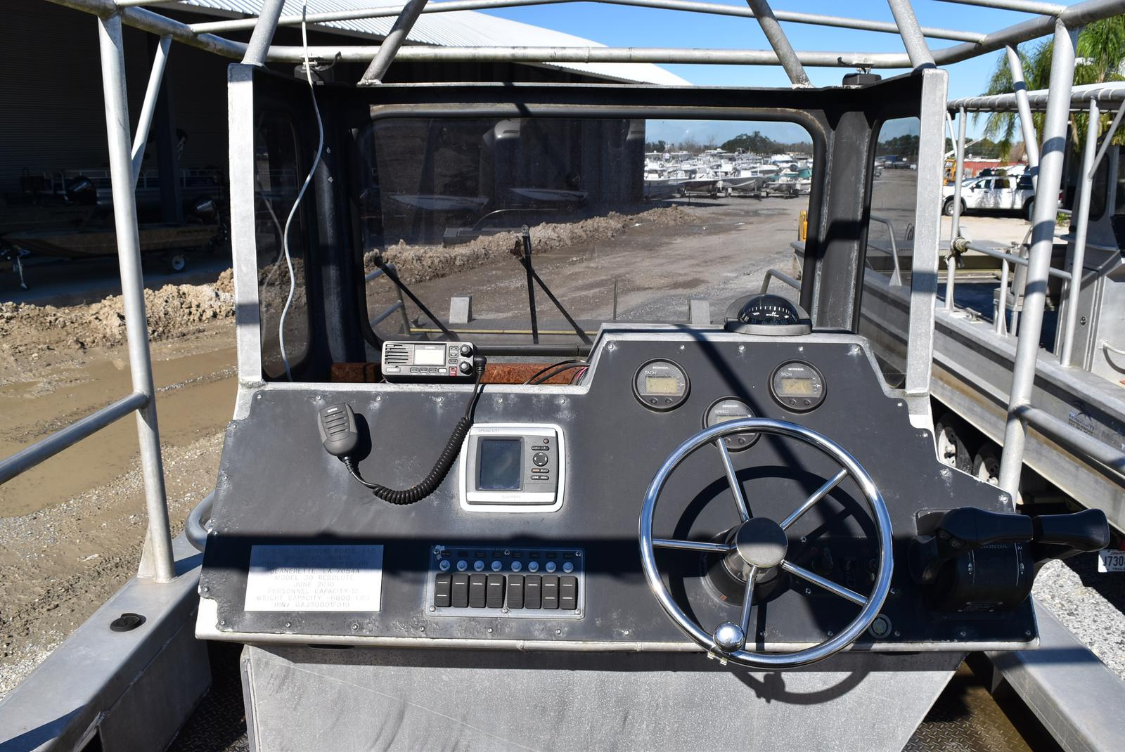 2010 Metal Shark boat for sale, model of the boat is 30ft Workboat & Image # 15 of 17