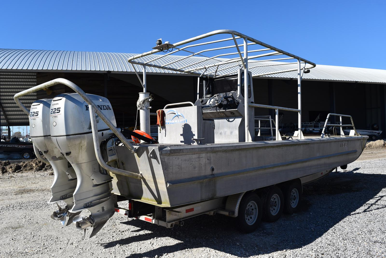 2010 Metal Shark boat for sale, model of the boat is 30ft Workboat & Image # 3 of 17