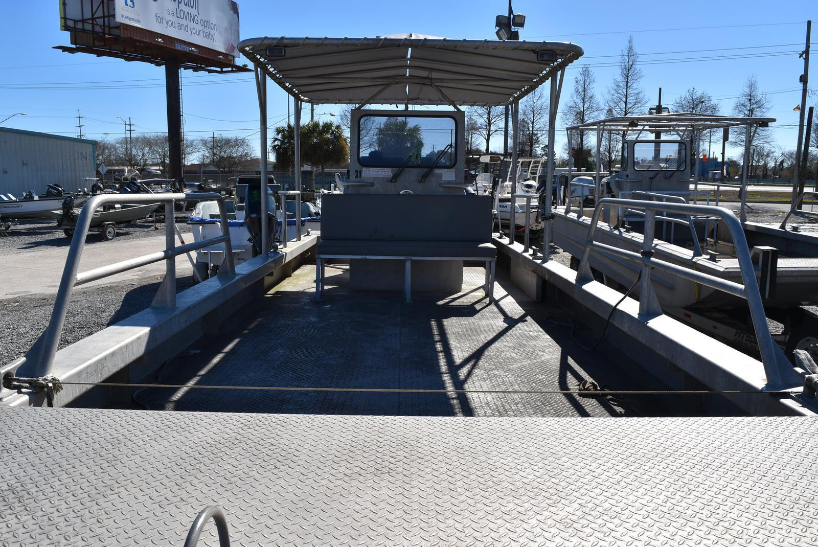 2010 Metal Shark boat for sale, model of the boat is 30ft Workboat & Image # 8 of 17