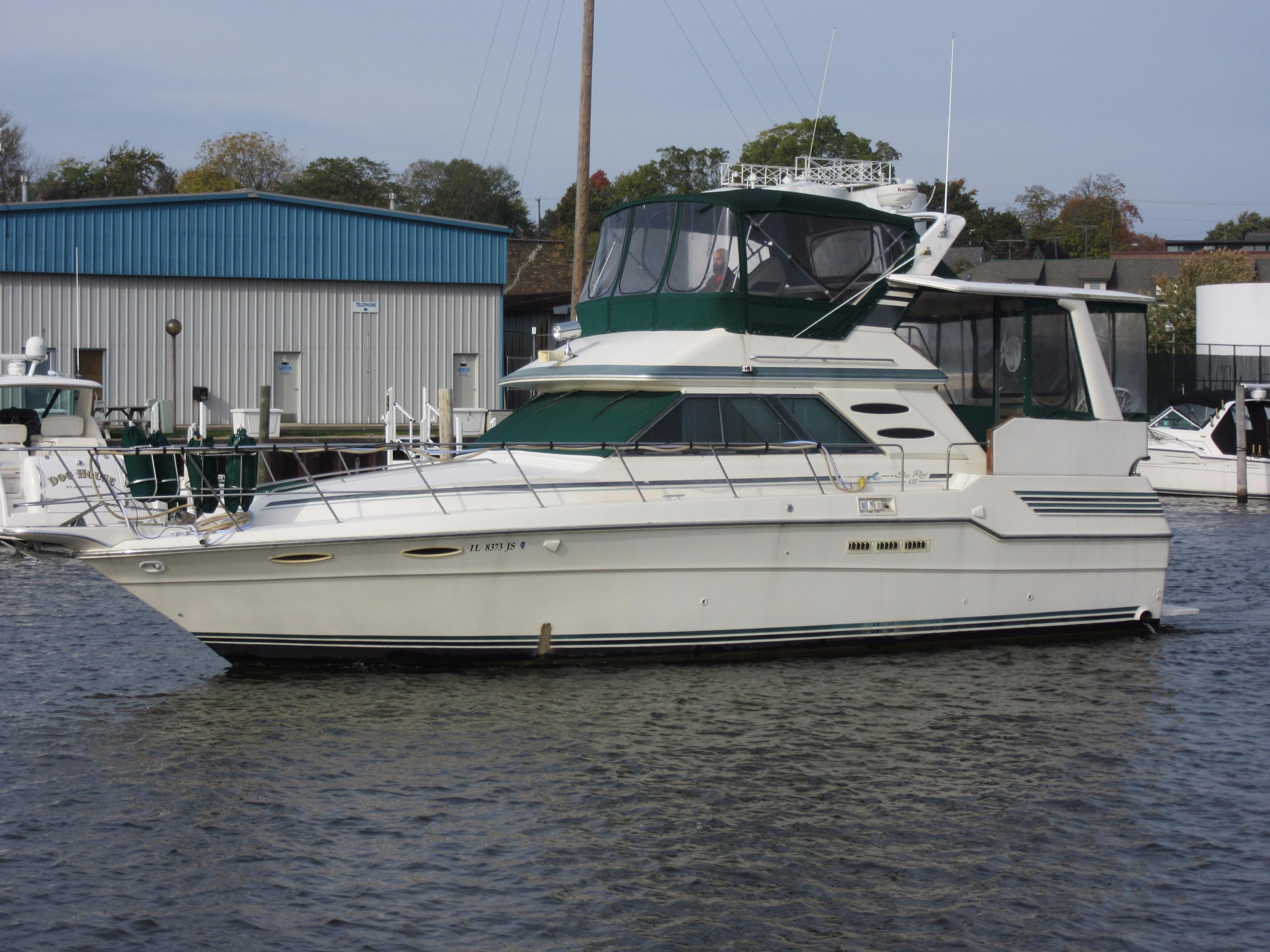Sea Ray 410 Aft Cabin