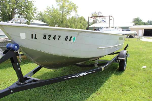 1986 Lowe boat for sale, model of the boat is Lunker V16 & Image # 4 of 9