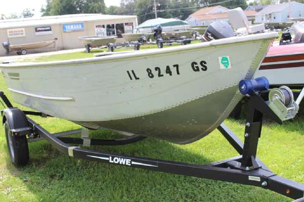 1986 Lowe boat for sale, model of the boat is Lunker V16 & Image # 5 of 9