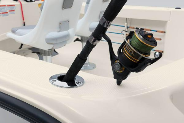 2019 Mako boat for sale, model of the boat is 204 CC & Image # 29 of 37