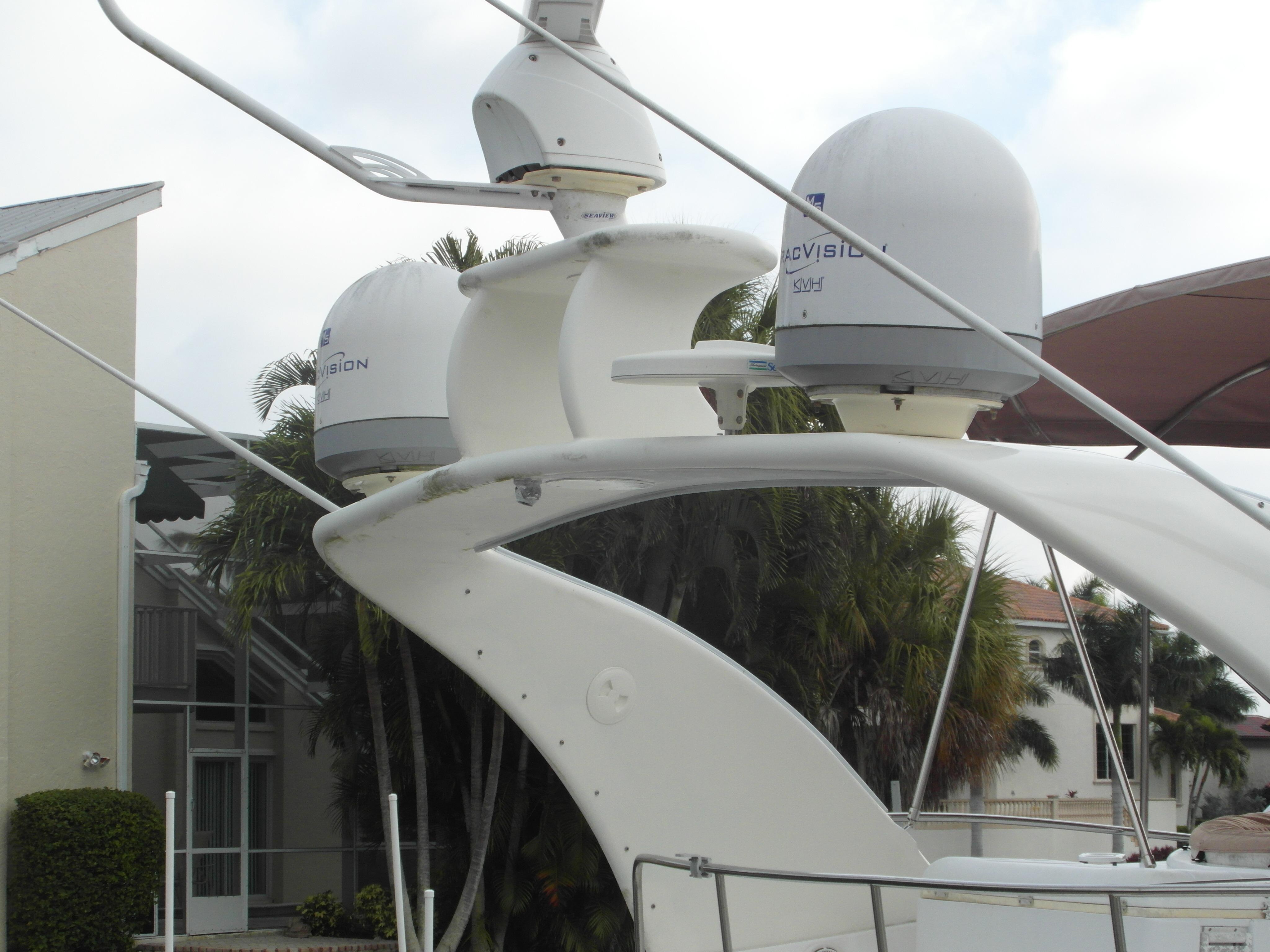 2001 Cruisers 50 Radar / Trac Vision