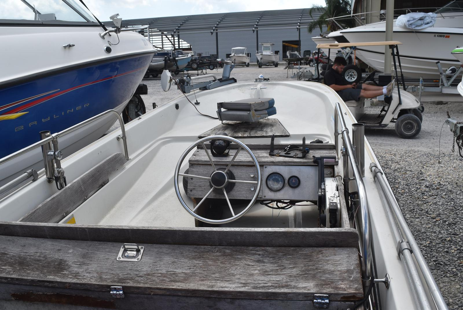 1988 Boston Whaler boat for sale, model of the boat is 15 & Image # 8 of 11
