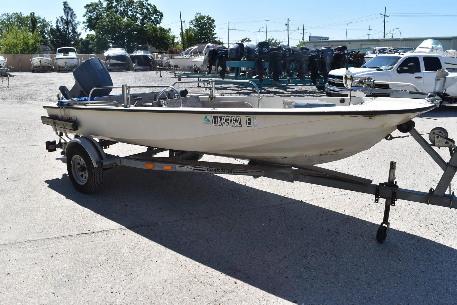 1988 Boston Whaler boat for sale, model of the boat is 15 & Image # 9 of 11