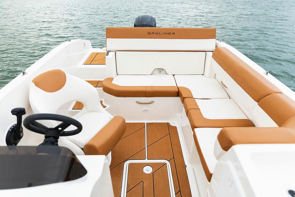 2019 Bayliner DX 2000