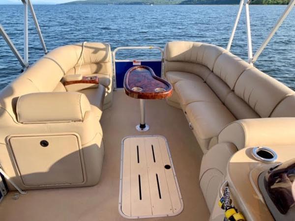 2014 SunCatcher boat for sale, model of the boat is elite & Image # 3 of 4