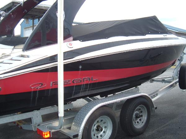 2014 Regal boat for sale, model of the boat is 2100 Bowrider & Image # 3 of 10
