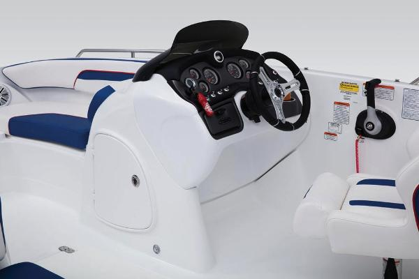 2019 Tahoe boat for sale, model of the boat is 215 Xi & Image # 21 of 45