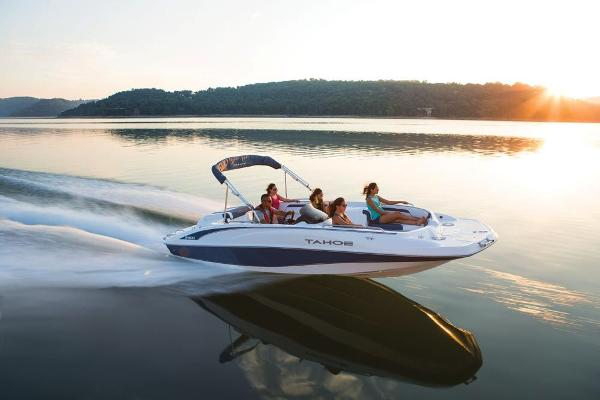 2019 Tahoe boat for sale, model of the boat is 215 Xi & Image # 4 of 43