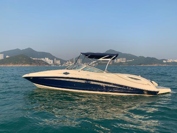 Sea Ray 300 Sundeck - Profile