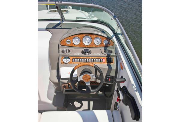 2013 Rinker boat for sale, model of the boat is 260 Express Cruiser & Image # 5 of 10