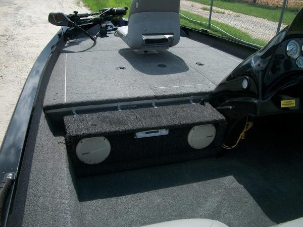 2011 Alumacraft boat for sale, model of the boat is PT175 & Image # 8 of 11
