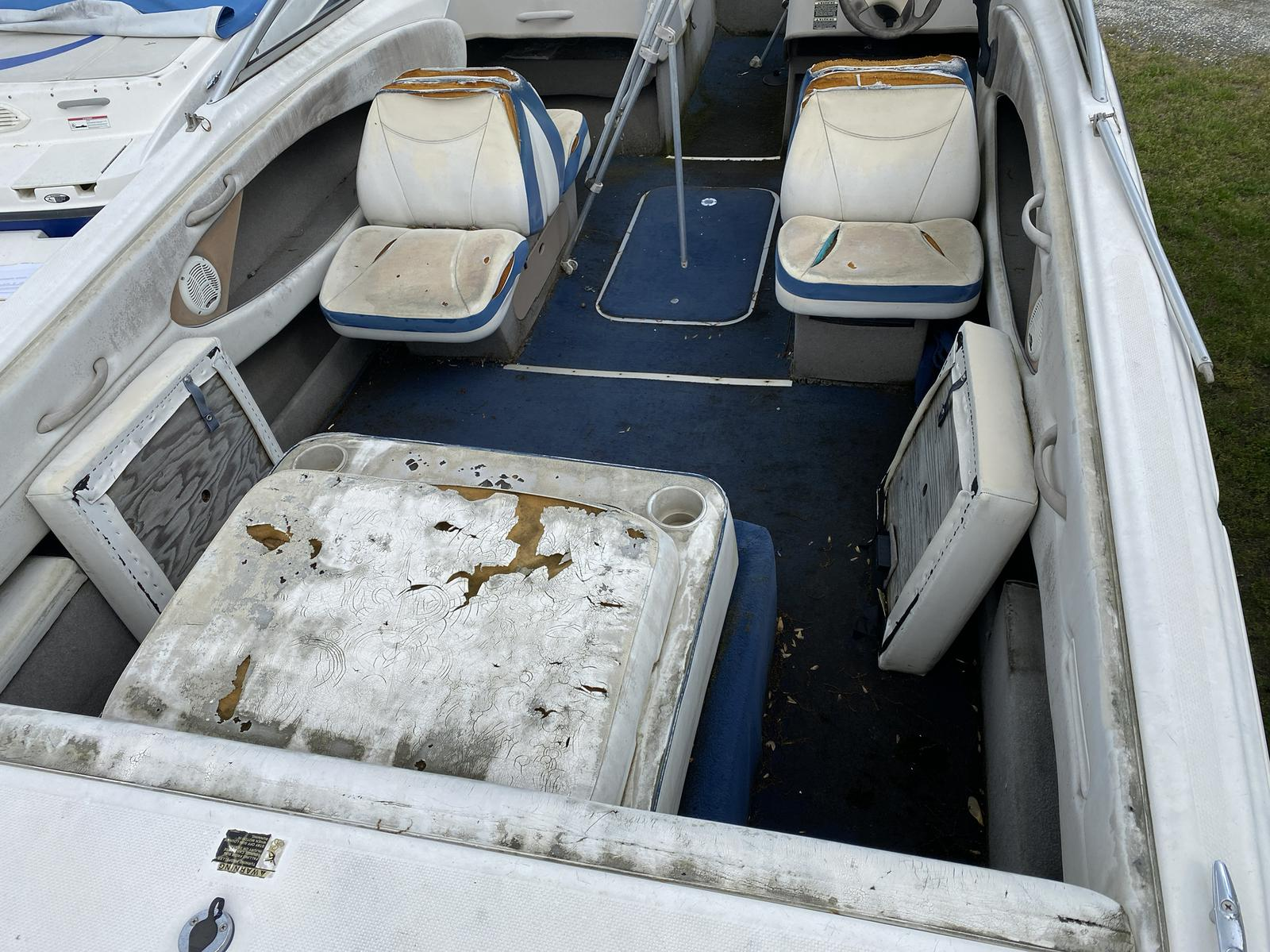 2005 Bayliner boat for sale, model of the boat is 215 Classic & Image # 5 of 5