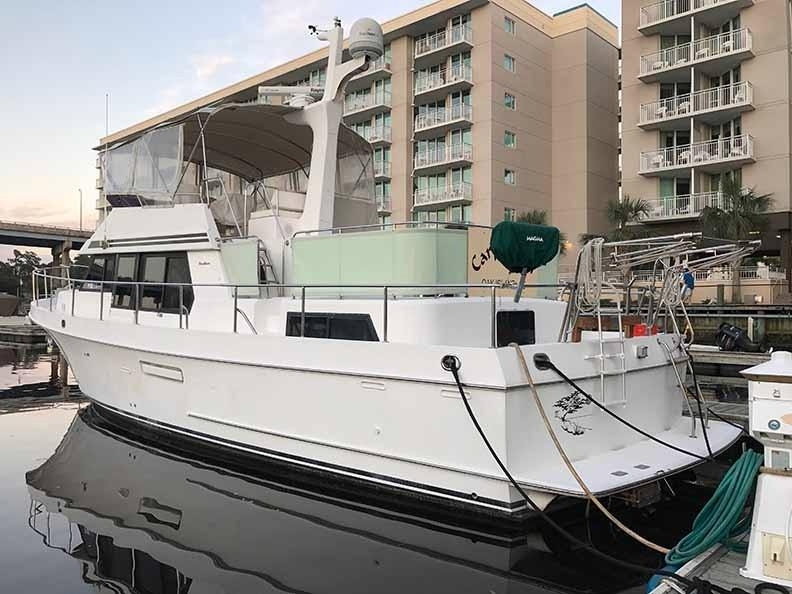 Ocean Alexander 456 Classico - Port Side 3 at Dock Aft