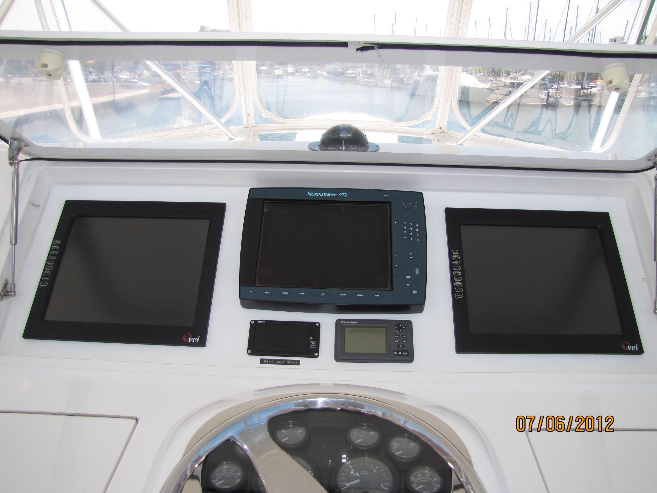 Flybridge Helm/Electronics