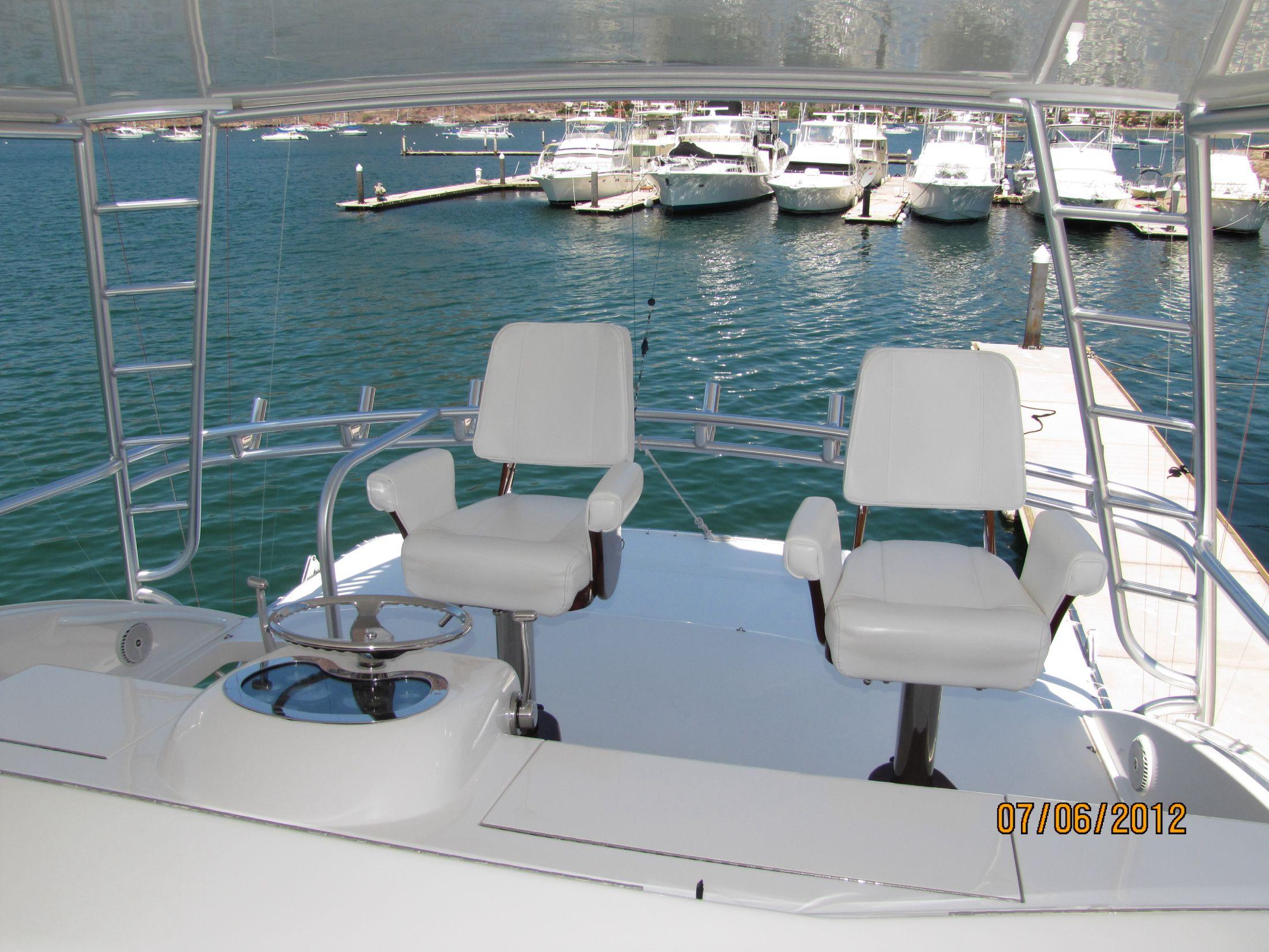 Flybridge Helm Captain's Chairs