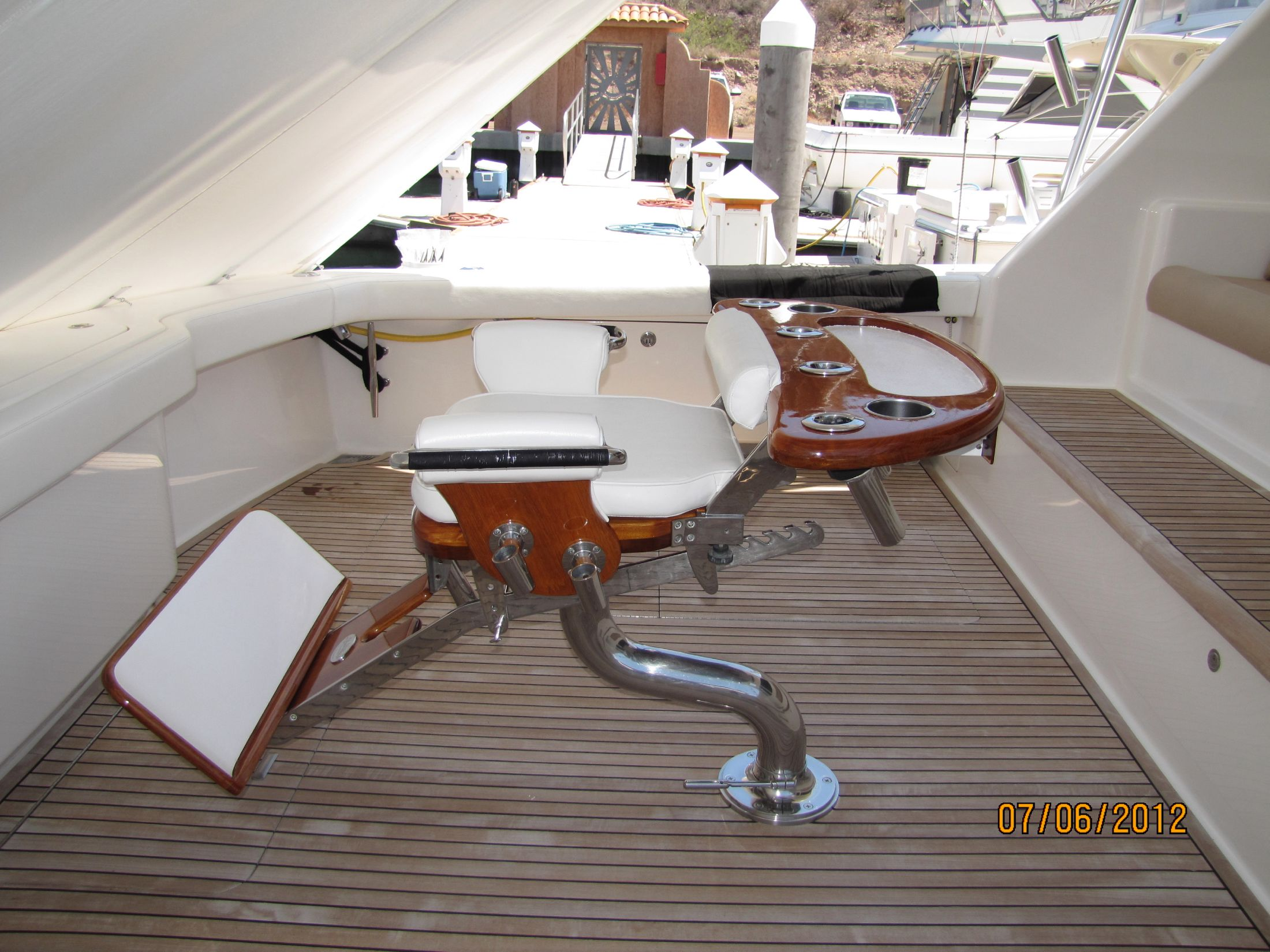 Teak Cockpit and Fighting Chair
