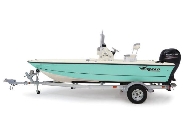 2019 Mako boat for sale, model of the boat is 19 CPX & Image # 23 of 61