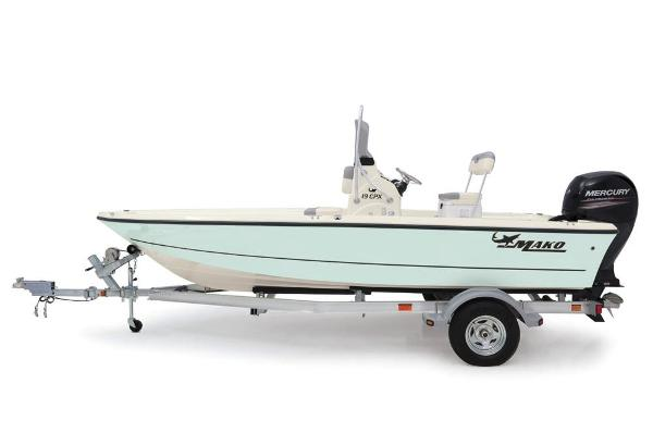 2019 Mako boat for sale, model of the boat is 19 CPX & Image # 24 of 61