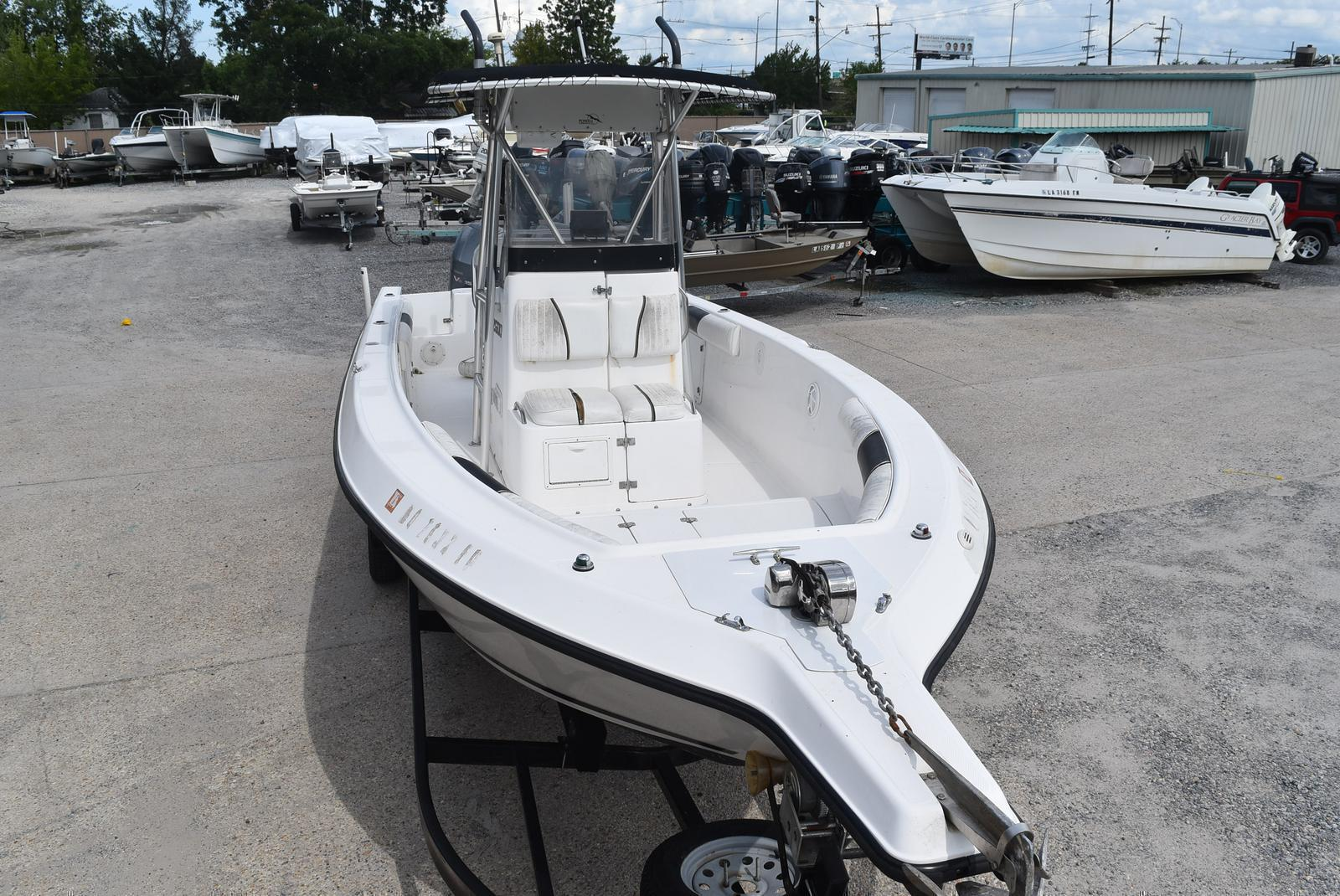 1999 Century boat for sale, model of the boat is 2600 CC & Image # 11 of 18