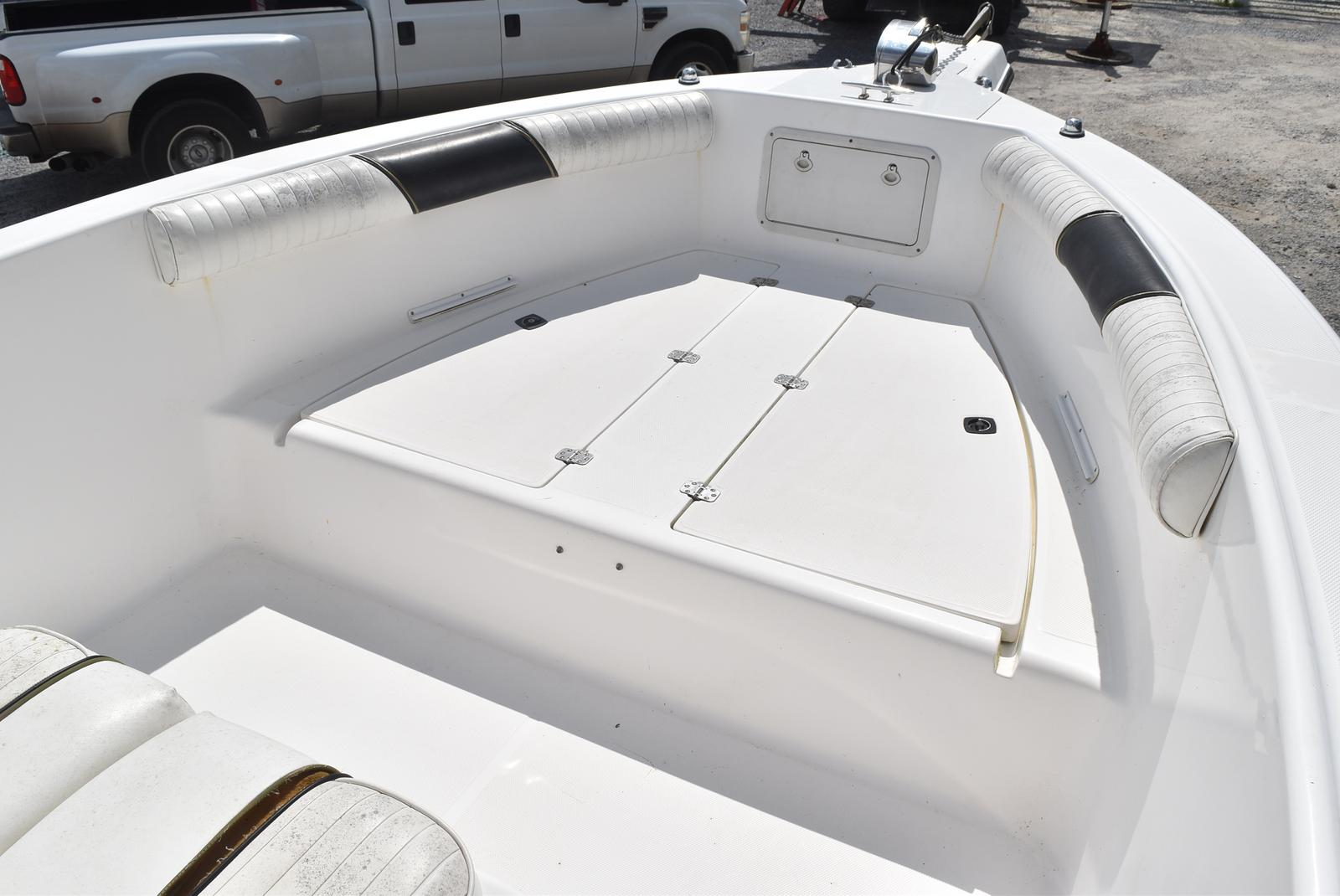 1999 Century boat for sale, model of the boat is 2600 CC & Image # 12 of 18