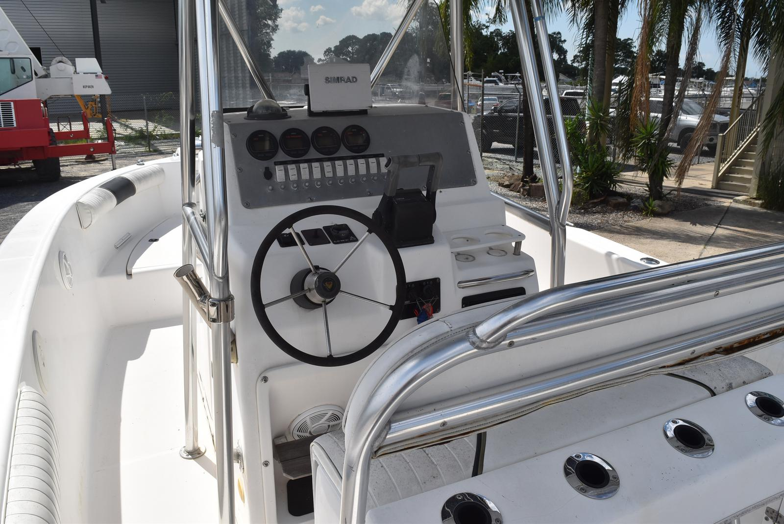 1999 Century boat for sale, model of the boat is 2600 CC & Image # 17 of 18