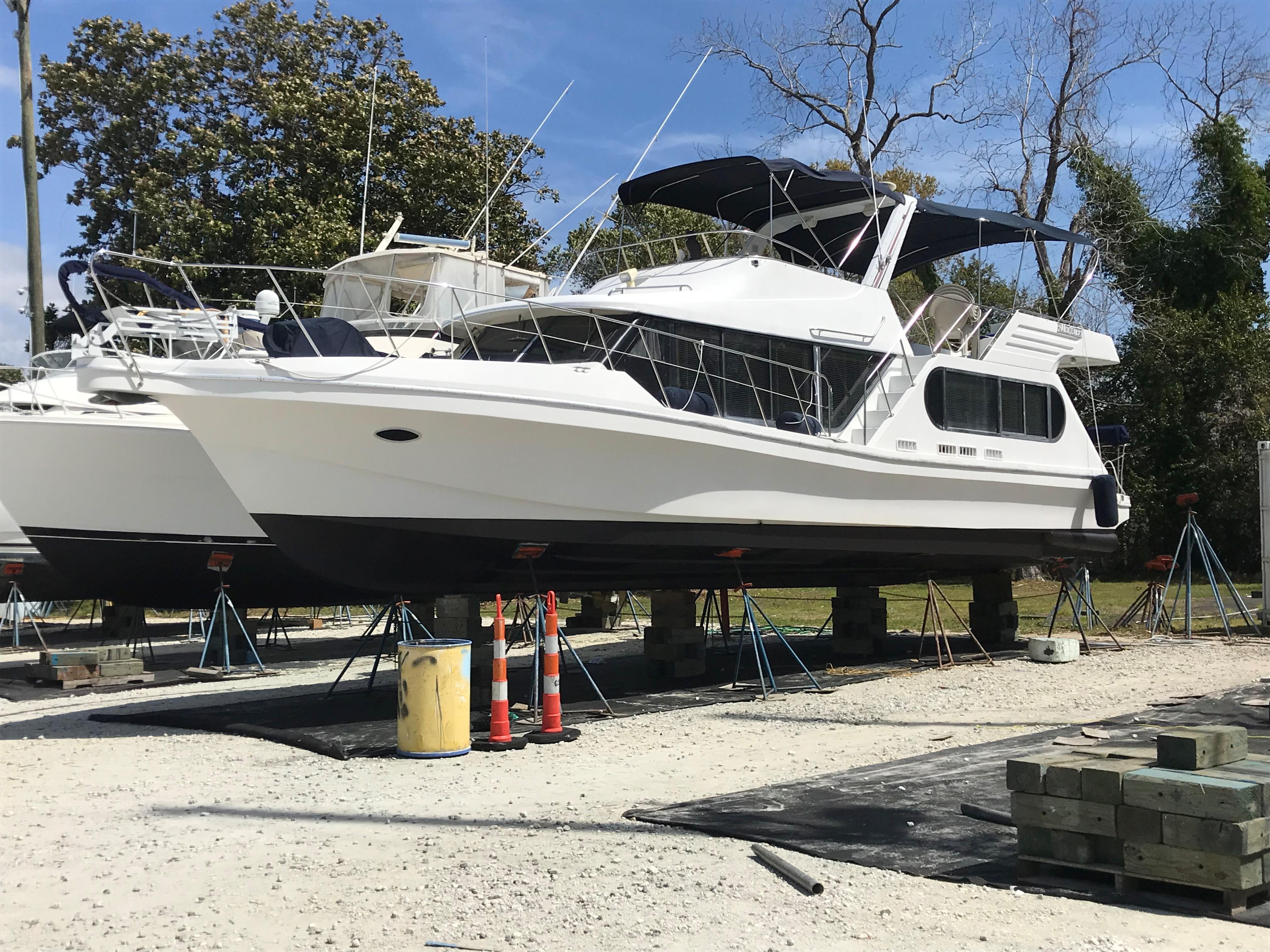 Bluewater Yachts 48 Houseboat - Fresh Bottom Paint