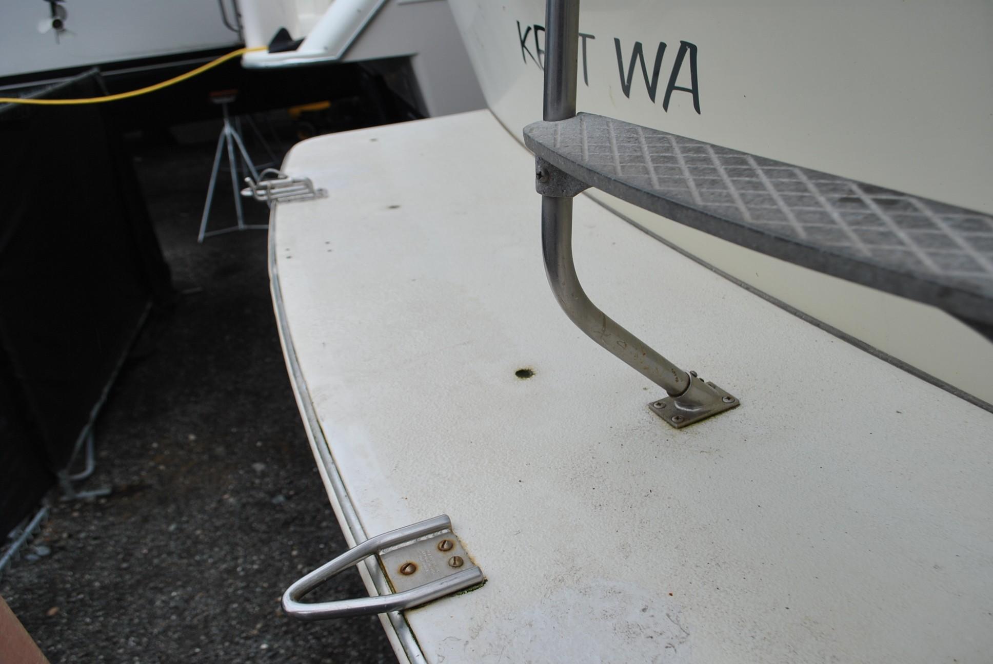 Tollycraft Sedan