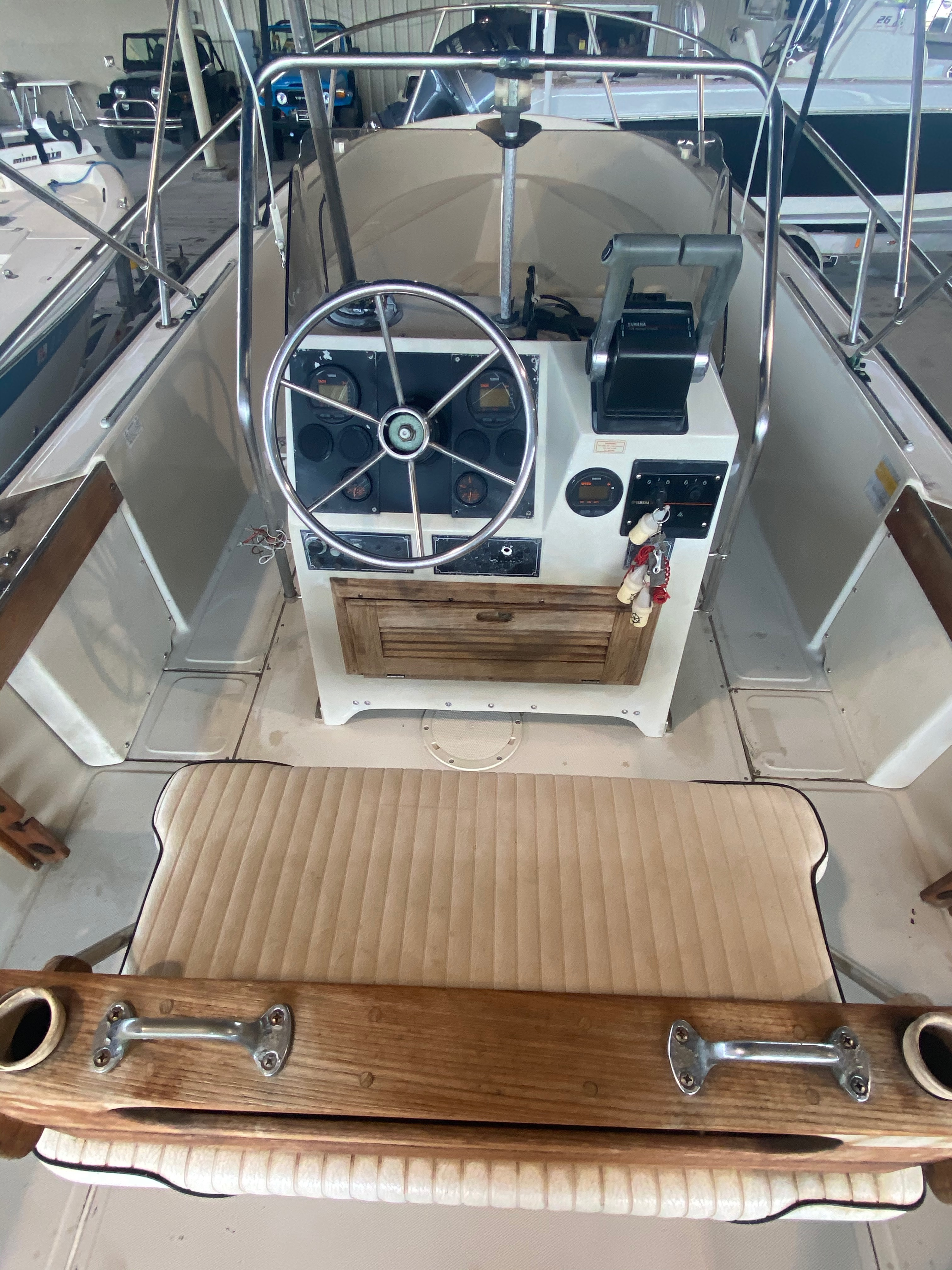 1989 Boston Whaler boat for sale, model of the boat is Outrage 20 (HULL & TRAILER) & Image # 2 of 8