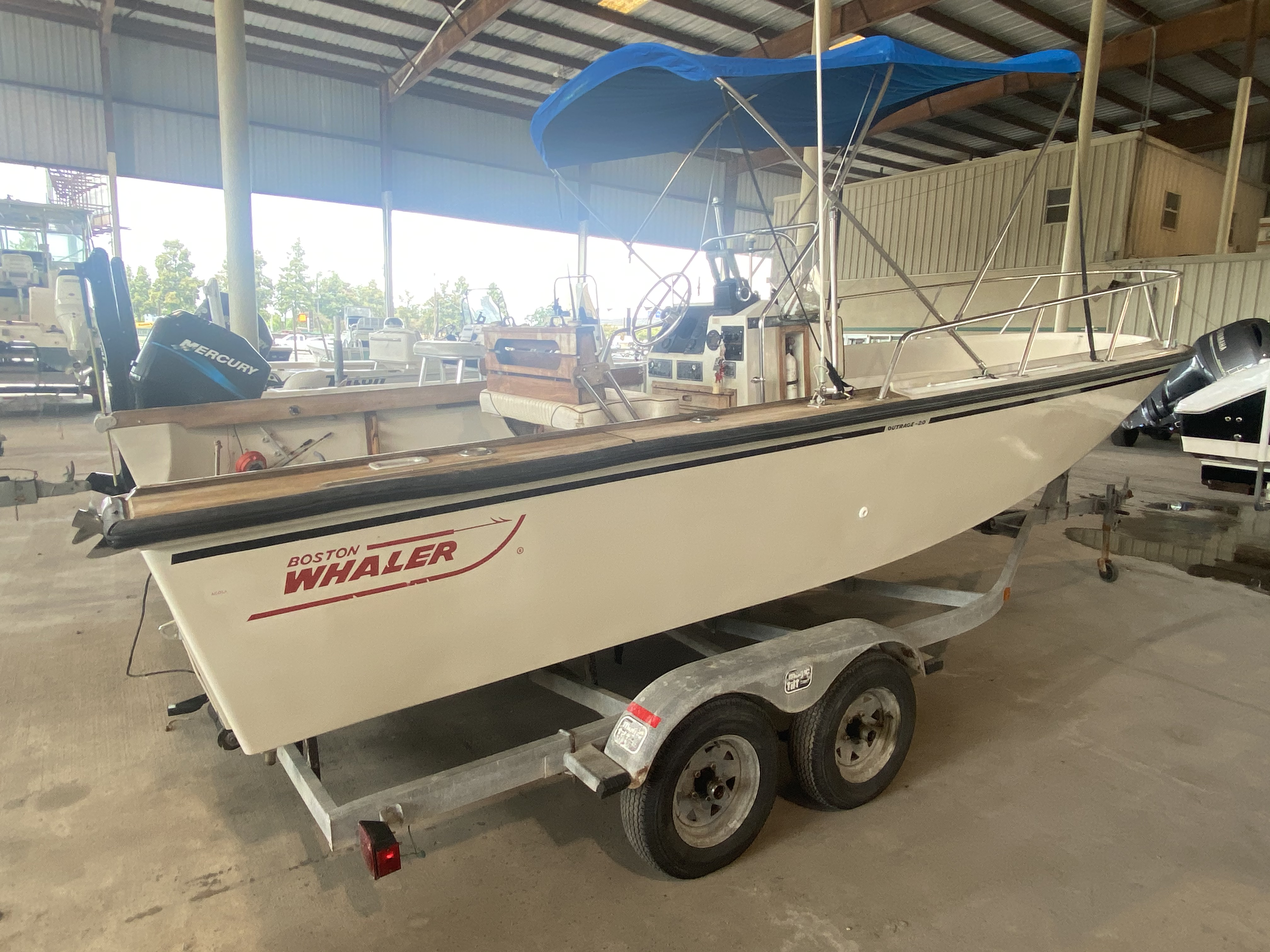 1989 Boston Whaler boat for sale, model of the boat is Outrage 20 (HULL & TRAILER) & Image # 3 of 8