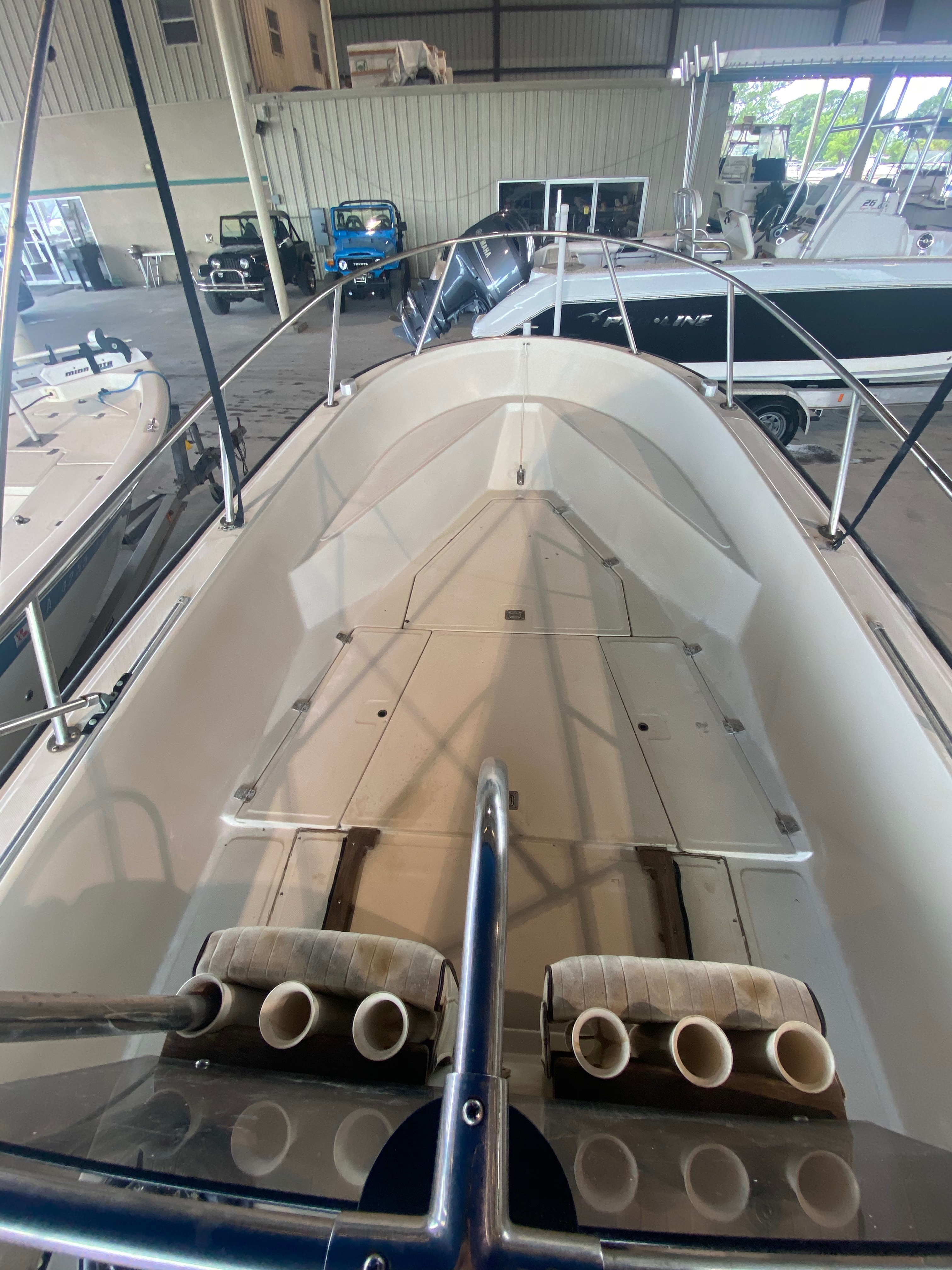 1989 Boston Whaler boat for sale, model of the boat is Outrage 20 (HULL & TRAILER) & Image # 5 of 8