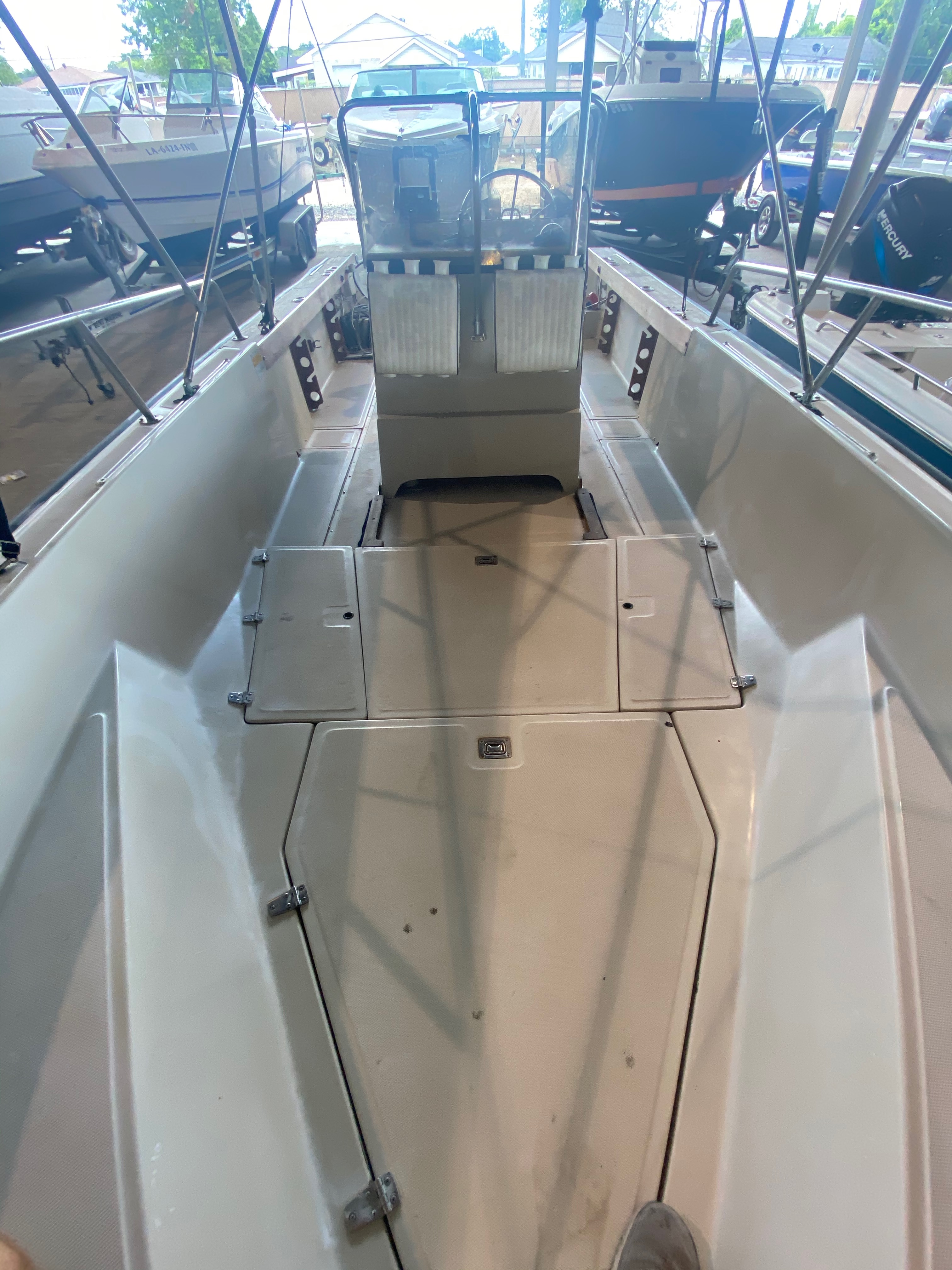 1989 Boston Whaler boat for sale, model of the boat is Outrage 20 (HULL & TRAILER) & Image # 7 of 8