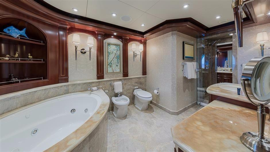 Main Deck Master Bath