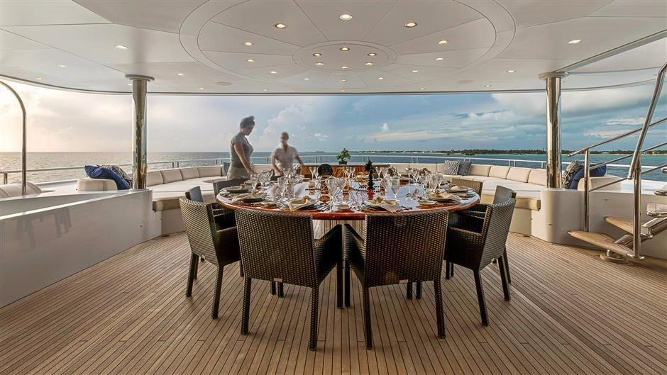 Bridge Deck Dining