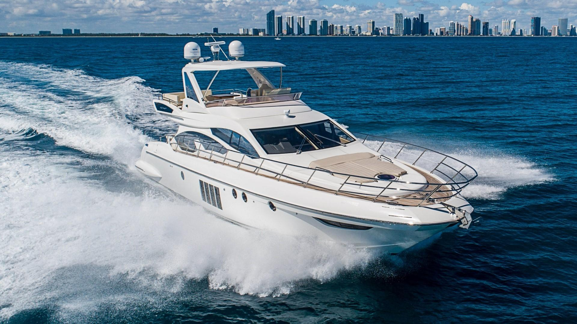 2013 Azimut 64 Flybridge - Strbrd Bow
