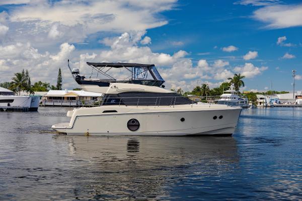 2015 45' Monte Carlo Yachts Beneteau MC4