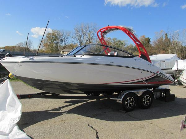 2020 Yamaha boat for sale, model of the boat is 212X & Image # 1 of 37