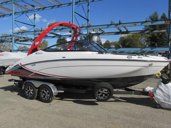 2020 Yamaha boat for sale, model of the boat is 212X & Image # 2 of 37