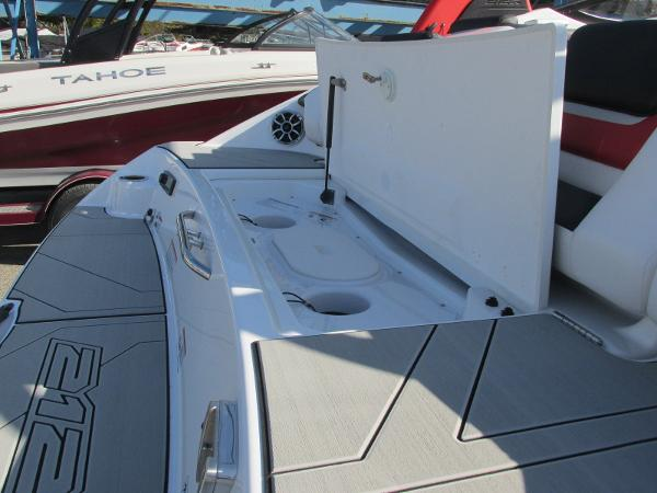 2020 Yamaha boat for sale, model of the boat is 212X & Image # 6 of 37