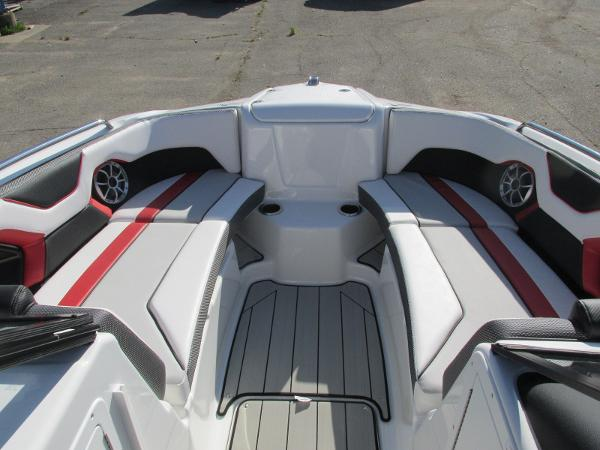 2020 Yamaha boat for sale, model of the boat is 212X & Image # 8 of 37
