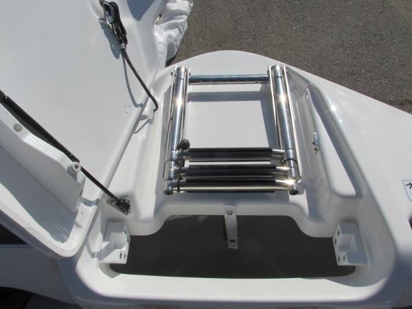 2020 Yamaha boat for sale, model of the boat is 212X & Image # 10 of 37