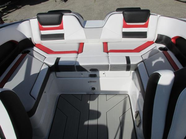 2020 Yamaha boat for sale, model of the boat is 212X & Image # 13 of 37